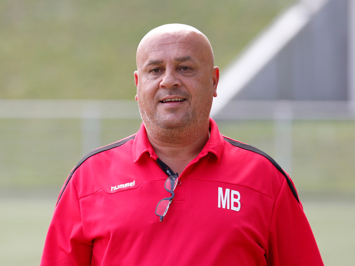 Michel Blokker is geen trainer meer van zondagderdeklasser Zwaluwen Utrecht 1911.