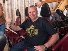 Achtbaanfanaat betaalt 400 euro voor eerste ritje: 'Ik wilde wel tot 1000 gaan'