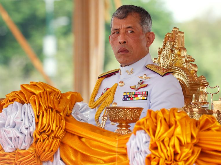 Koning Maha Vajiralongkorn Bodindradebayavarangkun heeft Thailand ingeruild voor een Duits skioord.