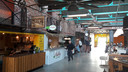 Enkele stands in de Foodhall Arnhem.