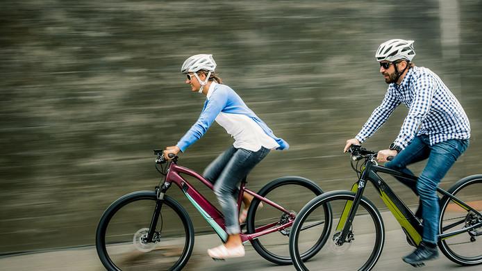 Steeds meer mensen pakken de e-bike.