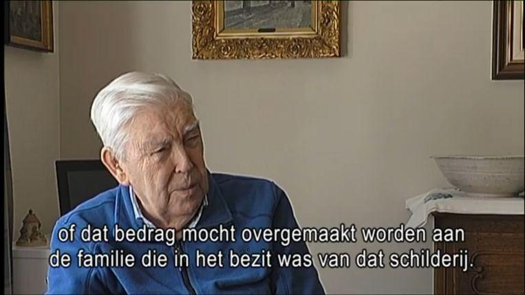 Jan Bosselaers (93) komt met de tip over het gestolen paneel op het VRT-nieuws.