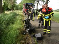 Vrouw valt met scootmobiel in sloot in Sprang-Capelle
