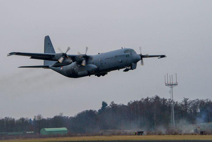 Een Hercules transportvliegtuig van de vliegbasis Eindhoven in 2013.