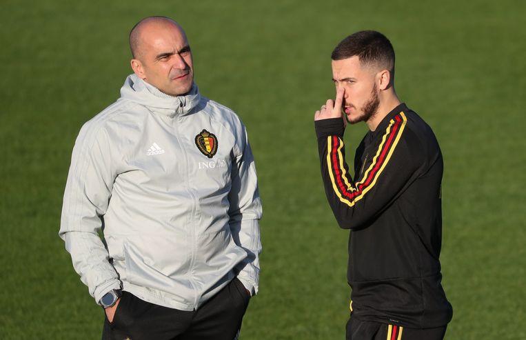 Roberto Martínez met Eden Hazard op het oefencentrum in Tubeke.