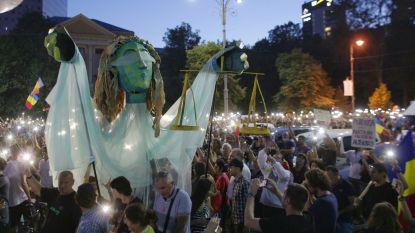 Tienduizenden Roemenen betogen voor tweede dag op rij tegen politieke corruptie