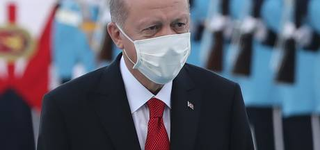 Turkse president Erdogan doet aangifte tegen Wilders om spotprent, PVV-leider woedend: 'Loser!'