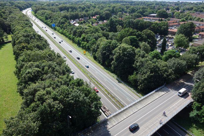 Bewoners van de wijken Tweelingstad, Stadsweiden en Drielanden zeggen steeds meer overlast te ervaren van de drukke A28 bij Harderwijk. Desondanks lukt het niet om Rijkswaterstaat tot maatregelen over te halen.