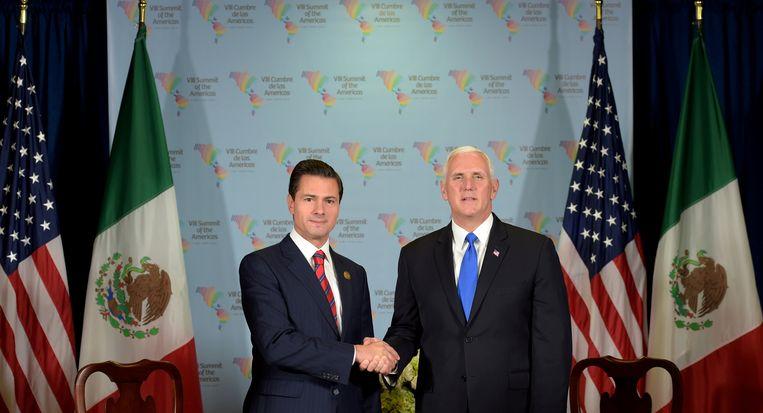 President van Mexico Enrique Pena Nieto en Amerikaans vicepresident Mike Pence op de top in de Peruviaanse hoofdstad Lima