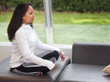 Dierense agent wordt yogadocent
