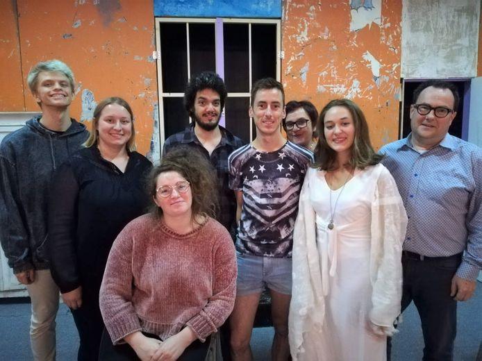 Toneelgroep Reinaart uit Essenbeek is klaar voor de première van een nieuwe productie.