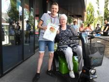 Waarom Noah (12) uit Mill een superheld is voor Corrie van 93 met haar scootmobiel