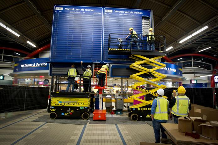 Het iconische 'blauwe bord' met daarop de vertrektijden van de treinen verdween in oktober 2011 uit de stationshal.