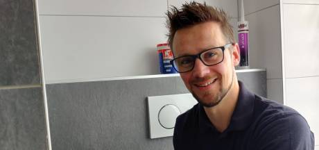 Dirk (35) doet in zijn eentje complete badkamerrenovaties: 'Extra hulp mis ik soms wel'