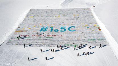 Grootste postkaart ter wereld ligt op Zwitserse gletsjer