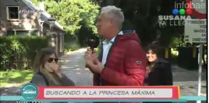 Dalma Maradona (links) en haar zus Giannina met presentator Marley voor het bospad naar Villa Eikenhorst.