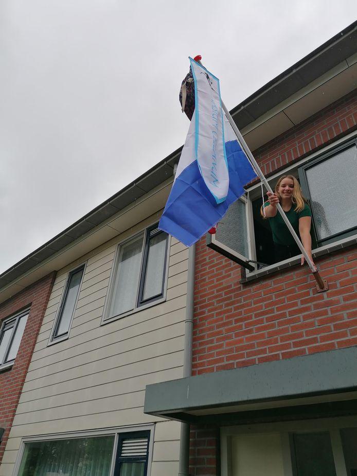Het is vanavond ook feest bij Kim Muilerman (17) in Raalte. Ze is geslaagd voor het Gymnasium Celeanum in Zwolle. Bij Saxion in Enschede begint ze aan een opleiding fysiotherapie. Vervolgopleiding: fysiotherapie aan het Saxion in Enschede