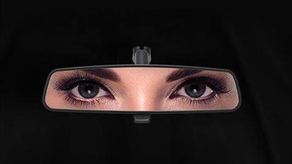 Met deze opvallende reclames proberen automerken Saoedische dames te verleiden