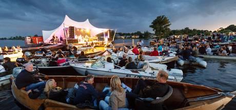 Drijf-In Bluesfestival Giethoorn met jonge gasten en oude rotten