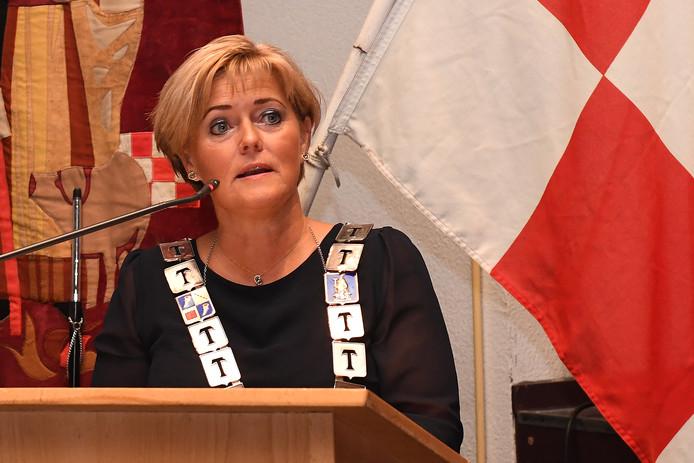 Burgemeester Marleen Sijbers in oktober tijdens een jubileumbijeenkomst van harmonie St. Caecilia.