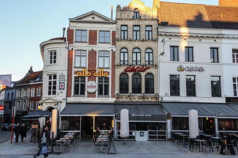 César, gelegen tussen Allo'Allo en Café Leffe op de Grote Markt, is failliet