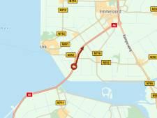 Busje in de berm langs de A6: file tussen Lelystad en Emmeloord