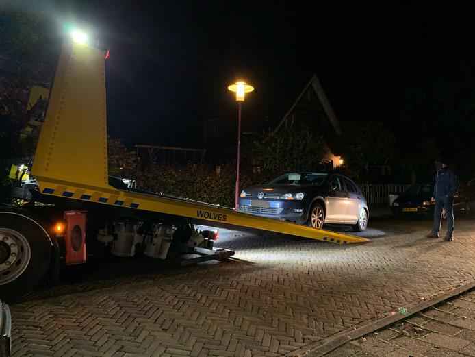Een gehuurde Volkswagen Golf werd afgesleept.