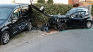 Twintiger zwaargewond na zware crash
