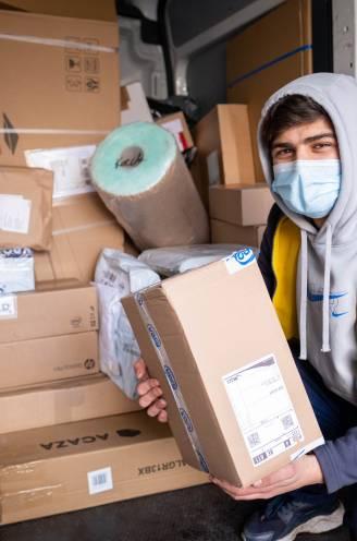 """Pakjesbezorgers klagen werkomstandigheden tijdens coronacrisis aan: """"Wij werken al maanden tot 15 uur per dag"""""""