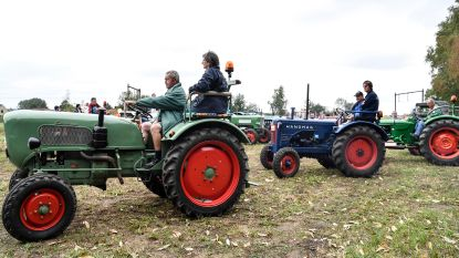 Oude tractors trekken Vemmekensspoeling op gang