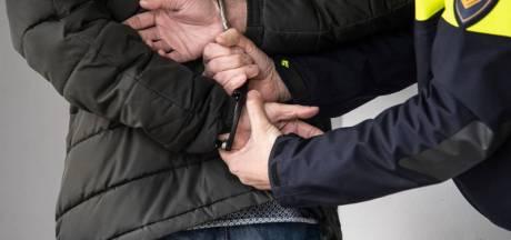 Voortvluchtige crimineel zit verstopt in tentje bij Kasteel Drakensteyn