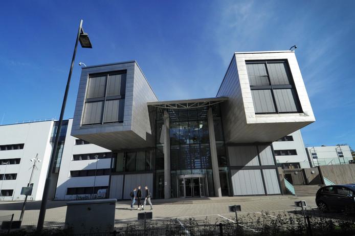 De hoofdingang van het nieuwe HZ-gebouw in Middelburg.