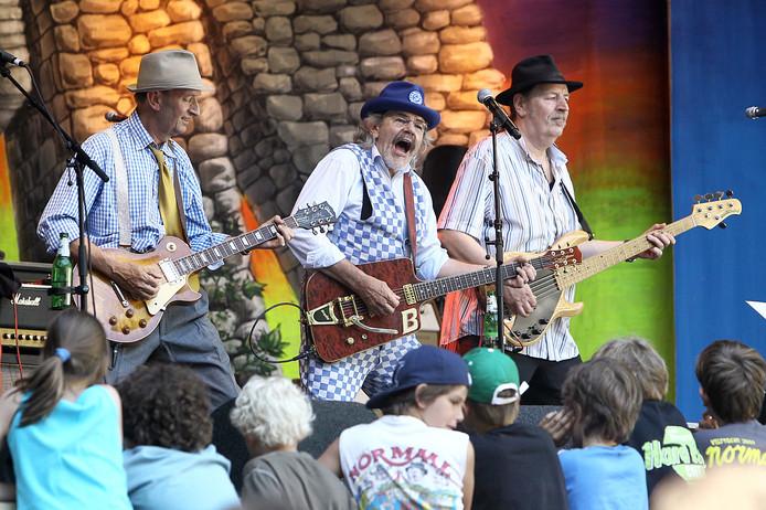 Optreden van Normaal op afgelopen Hemelvaartsdag in Lochem.