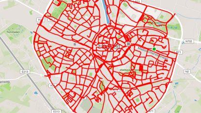 Triatleet fietst in één rit door alle straten van Hasselt