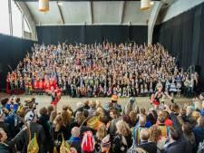 Vasim puilt uit van carnavalshoogheden tijdens 19e prinsentreffen 'De Gelderlander'