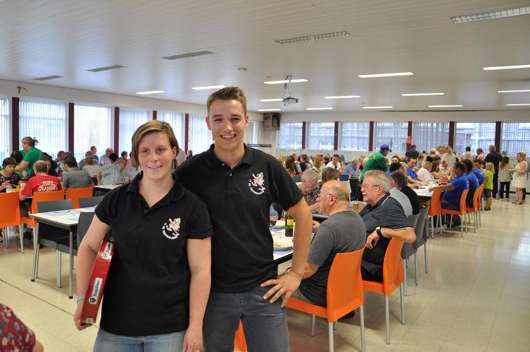 Björn Teirlinck (rechts) is tevreden met de 240 sympathisanten die kwamen eten.