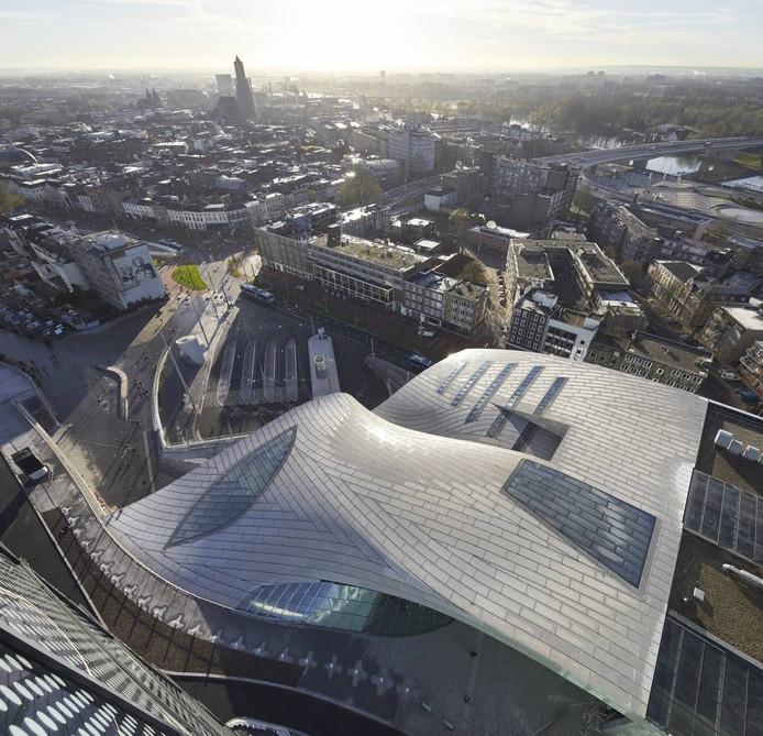 Het dak van de transferhal van Station Arnhem Centraal. Foto Hufton + Crow