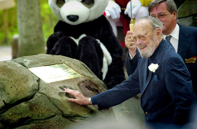 Bij de PandaDroom staat een handafdruk van Prins Bernhard, die de attractie in juni 2002 opende.