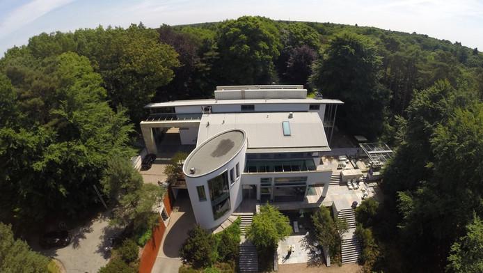 Op n na prijzigste huis van het land ligt in bosch en duin utrecht - Kubieke villa ...