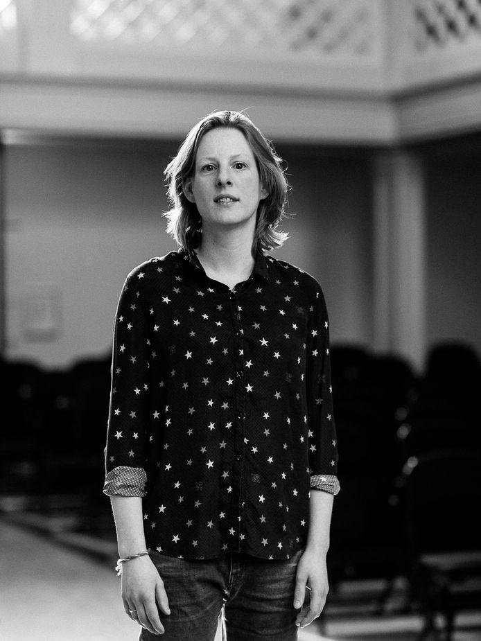 Tineke Steenbrink geeft lezing over kerkelijke muziek in Nicolaaskerk Helvoirt.