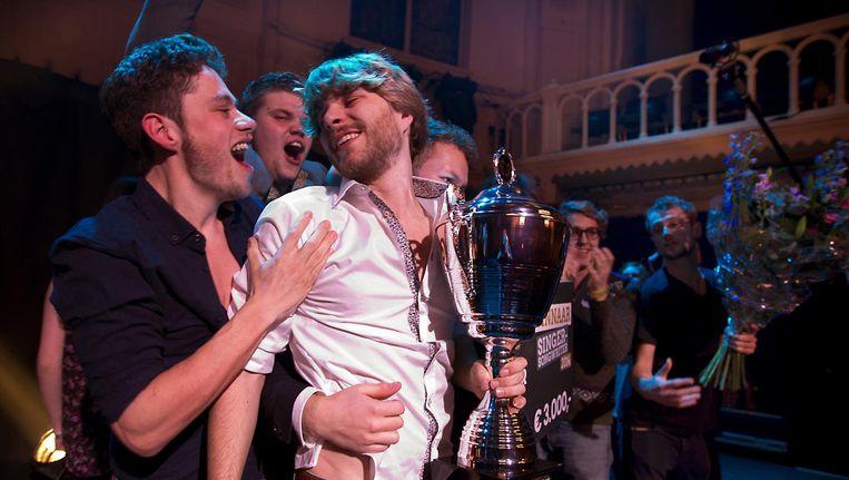 Charl Delemarre (wit overhemd) won in 2014 de Grote Prijs van Nederland in de categorie singer-songwriters in Paradiso. Beeld anp