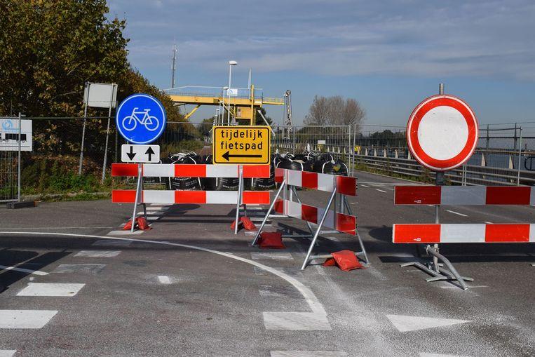 Het alternatieve fietspad langs de Westkade tussen Zelzate en Sas van Gent