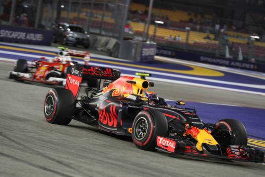 Verstappen in 2016 op het circuit van Singapore
