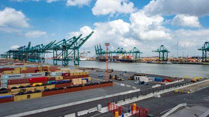 Sluis in Antwerpse haven weer open na brand, nog geen vrachtverkeer mogelijk