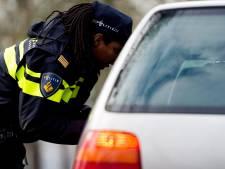 Man (20) uit Oosterhout rijdt voor zoveelste keer rond zonder rijbewijs: 'Ik weet dat het niet mag'