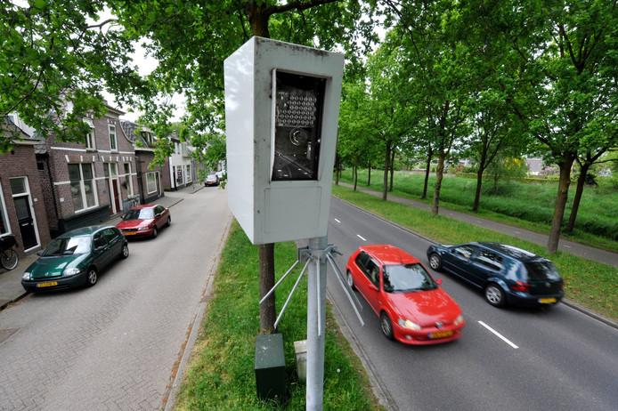 De Almelose paal kostte de afgelopen vier jaar al meer dan 70.000 automobilisten een boete.