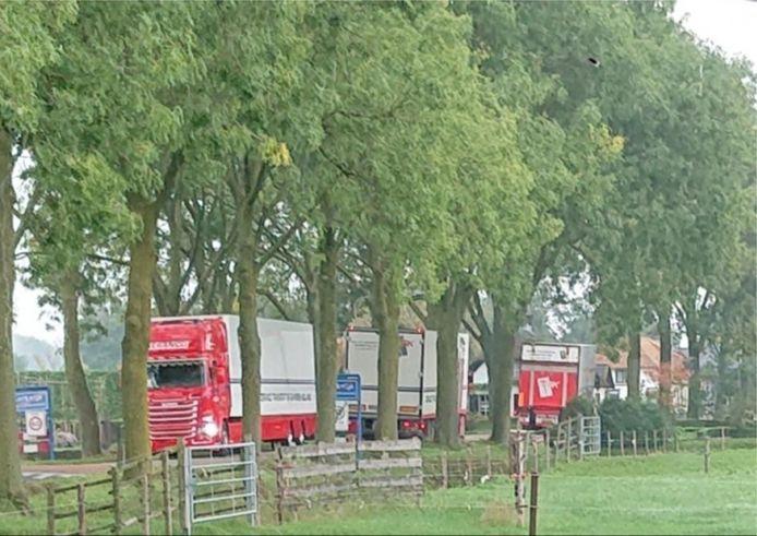 Vrachtverkeer op de Molenstraat in Bruchem en Kerkwijk zorgt volgens bewoners voor gevaarlijke situaties.