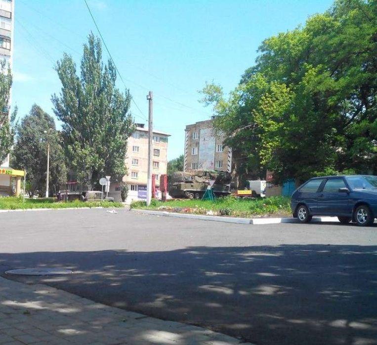 torez | 17 juli 2014. De BUK-installatie op de hoek van de Gagarinboulevard en de '50jaar USSR'-straat op de dag van de ramp. Beeld