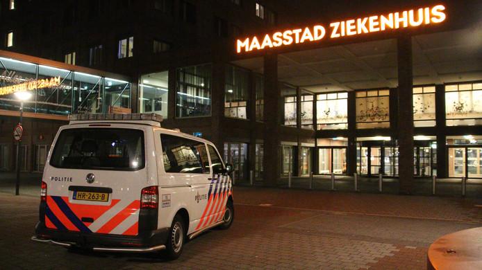 Politie bij het Maasstad Ziekenhuis.