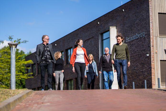 Medewerkers van de crisisdienst pro persona in Arnhem. Links: Jan Konink